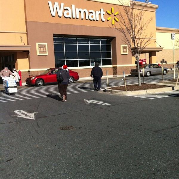 Photo prise au Walmart par Ashley M. le12/23/2012