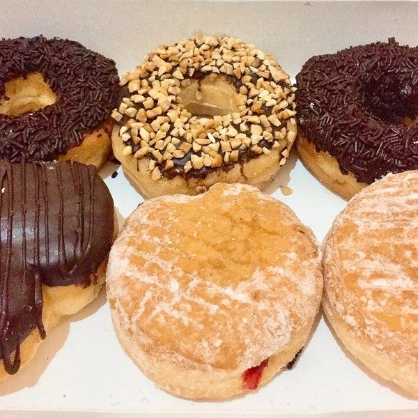 Photo taken at Dunkin' Donuts by Eva Aliffa on 2/23/2017