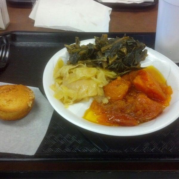 Photo taken at Nana's Soul Food Kitchen by vsync on 4/28/2015