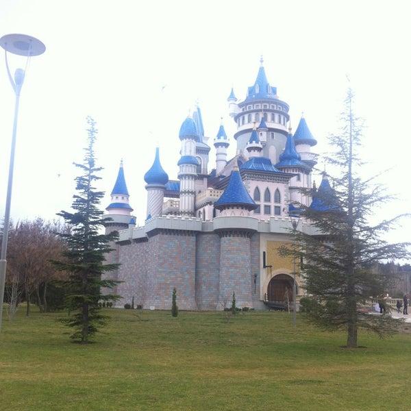3/16/2013 tarihinde Tugce P.ziyaretçi tarafından Sazova Bilim Kültür ve Sanat Parkı'de çekilen fotoğraf