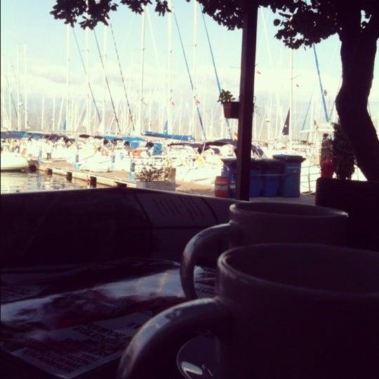 10/28/2012 tarihinde burcu g.ziyaretçi tarafından Mod Yacht Lounge'de çekilen fotoğraf