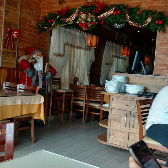 Foto tirada no(a) Restaurante Mont Vert por Andrea G. em 12/10/2015
