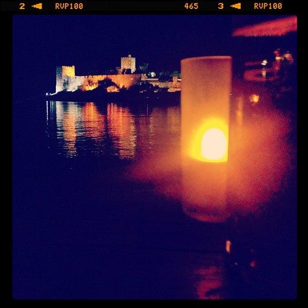 11/3/2012 tarihinde Edizziyaretçi tarafından Moonlight Cafe Bar'de çekilen fotoğraf