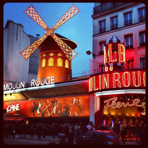 Photo taken at Moulin Rouge by I S. on 3/21/2013