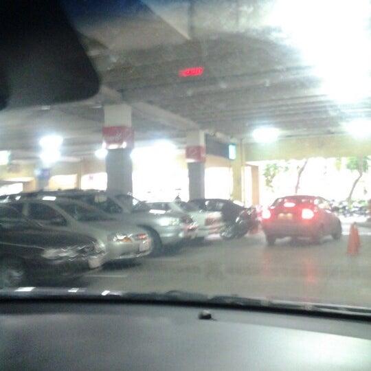 Foto tirada no(a) Mall del Sur por Ray G. em 12/30/2012