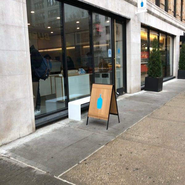 4/10/2018 tarihinde Jace C.ziyaretçi tarafından Blue Bottle Coffee'de çekilen fotoğraf