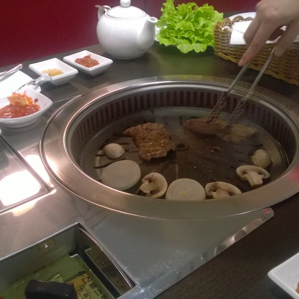 Foto tomada en Korean BBQ гриль por Dmitry K. el 11/29/2015