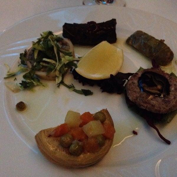 12/31/2015 tarihinde Emidioziyaretçi tarafından Matbah Restaurant'de çekilen fotoğraf