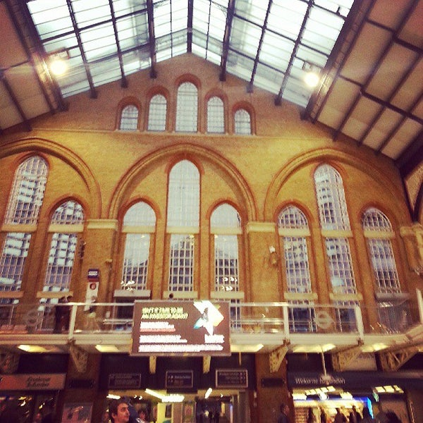 Photo taken at London Liverpool Street Railway Station (LST) by Juliano R. on 6/21/2013