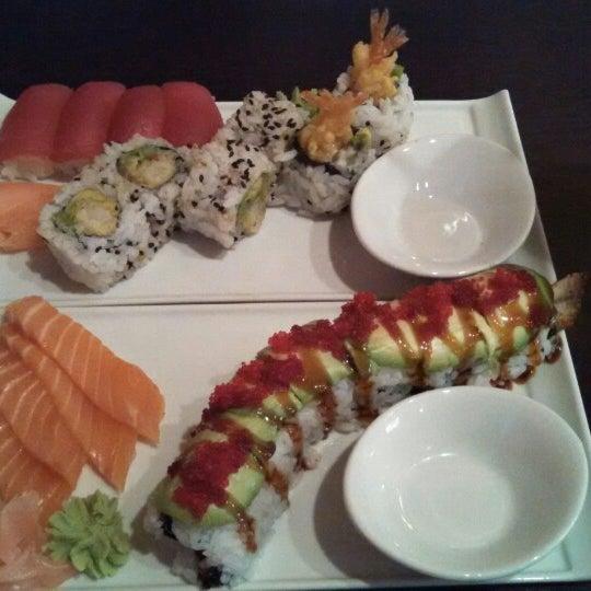 Go fish seafood and sushi bar sushi restaurant for Go fish restaurant