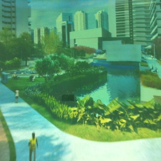 Foto tirada no(a) Obras Parque da Cidade por Alexandre O. em 9/29/2012