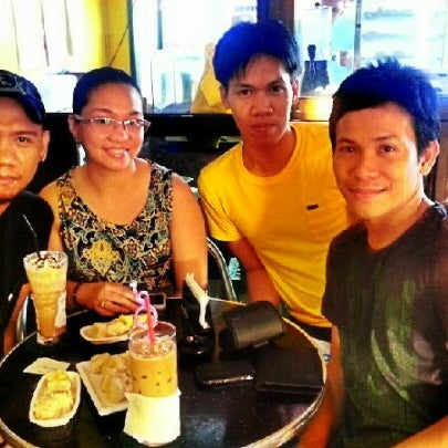 Photo taken at Coffee Craze by Russell V. on 12/30/2012