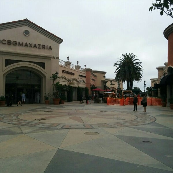 Photo taken at Carlsbad Premium Outlets by Rouslan B. on 6/18/2015