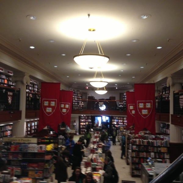 Photo taken at Harvard Coop Society Bookstore by Gonzalo F. on 2/16/2013