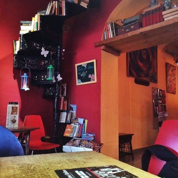 1/10/2015 tarihinde Vikiziyaretçi tarafından Café con Libros'de çekilen fotoğraf