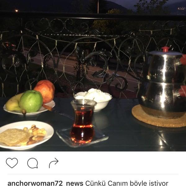 Das Foto wurde bei Room room Boutique Hotel von On Air 🎥📡📺🎙🙋TRT Haber Spikeri X. am 8/26/2016 aufgenommen