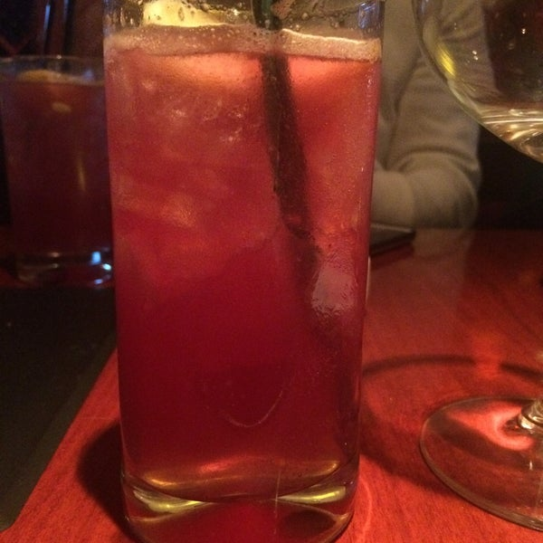 Photo taken at Fleming's Prime Steakhouse & Wine Bar by Sue D. on 12/12/2014