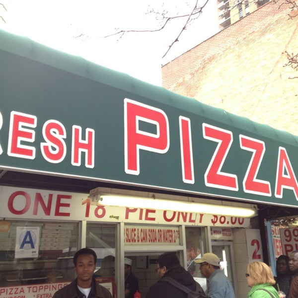 Photo taken at 99¢ Fresh Pizza by Christy J. on 3/29/2013