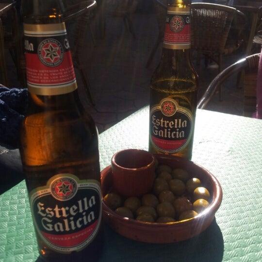 Foto tomada en Cafetería Bar El Lago por Ruth M. el 12/28/2012