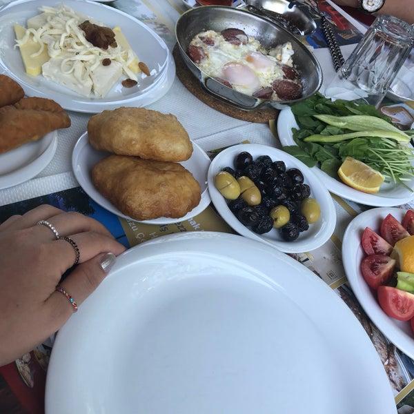 7/3/2018 tarihinde Gülender A.ziyaretçi tarafından Köyüm Bahçe Restaurant'de çekilen fotoğraf