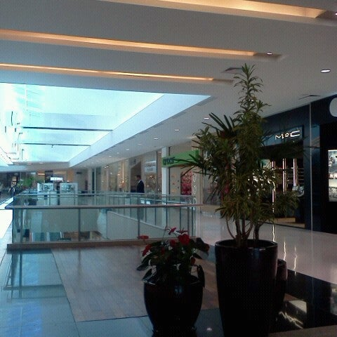 Photo taken at Shopping Recife by Vera W. on 10/1/2012