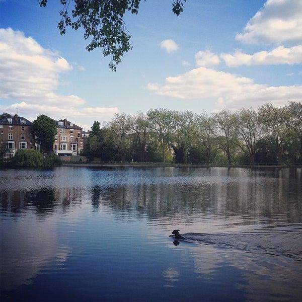 6/2/2013 tarihinde Tadporn W.ziyaretçi tarafından Hampstead Heath'de çekilen fotoğraf