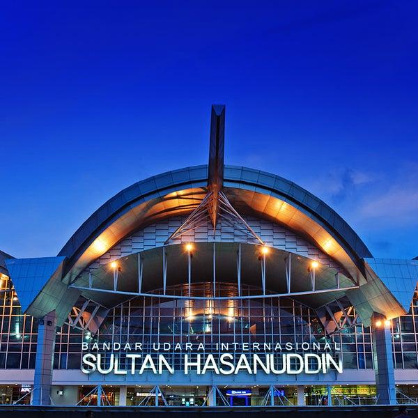 Photo taken at Sultan Hasanuddin International Airport (UPG) by Handoyo T. on 5/29/2013