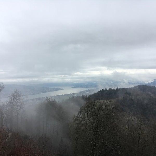 Das Foto wurde bei Uetliberg von Sabrina Z. am 1/21/2018 aufgenommen