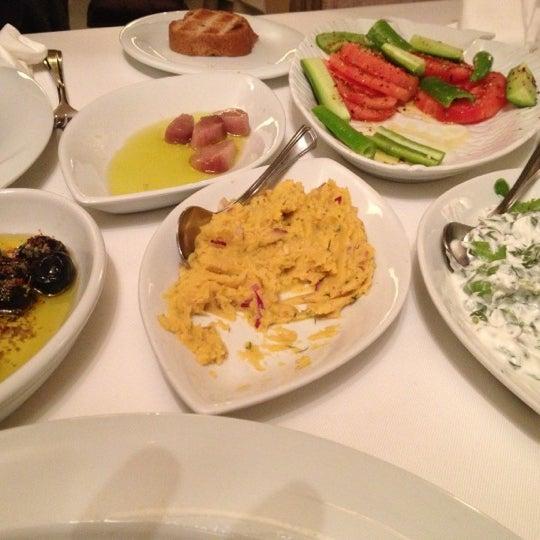 12/16/2012 tarihinde Selim Y.ziyaretçi tarafından Kalkan Balık Restaurant'de çekilen fotoğraf