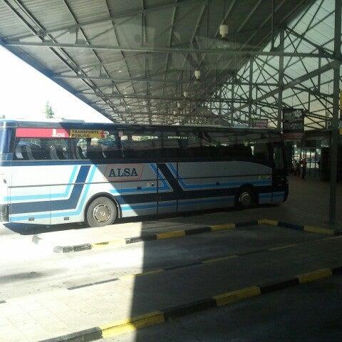 Photo taken at Estación Autobuses de Ponferrada by Vanesa O. on 6/21/2013