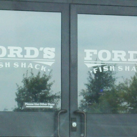 Photo taken at Ford's Fish Shack by Raquel B. on 9/14/2012