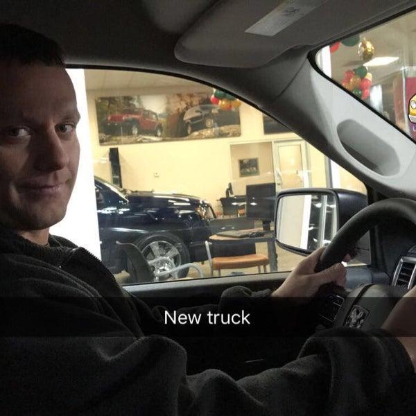 Foto Tirada No(a) Tom Ou0026#39;Brien Chrysler Jeep Dodge Por