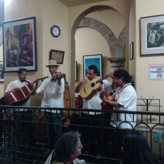 Foto tomada en Cantina La Fuente por Nestor A. el 1/27/2013