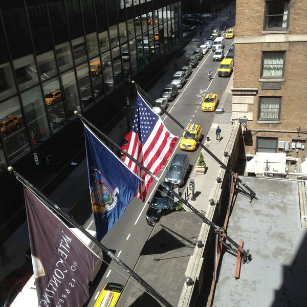 Photo taken at InterContinental New York Barclay by Altan A. on 5/5/2013