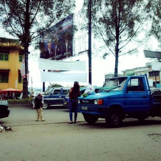 Photo taken at Pasar kaget berastagi by CikHa G. on 12/30/2012