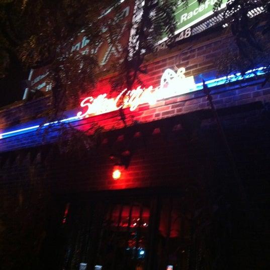 Снимок сделан в Silk City Diner Bar & Lounge пользователем Melissa P. 10/20/2012