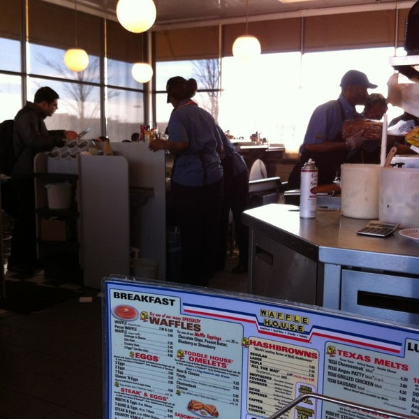 Photo taken at Waffle House by Dennis N. on 1/21/2013