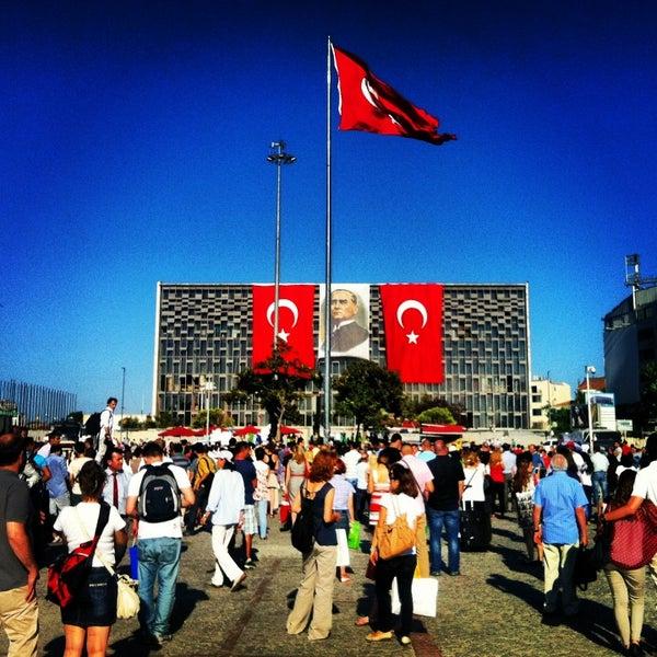 6/19/2013にErcan A.がTaksim Gezi Parkıで撮った写真
