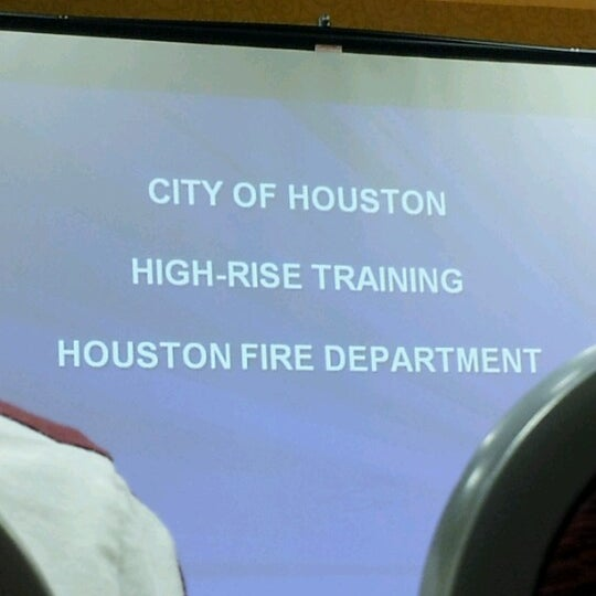 Photo taken at Houston Marriott South at Hobby Airport by Sarah H. on 9/26/2012