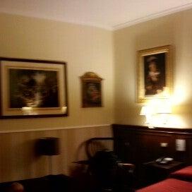 Foto scattata a Hotel Des Artistes da Chris M. il 2/26/2013