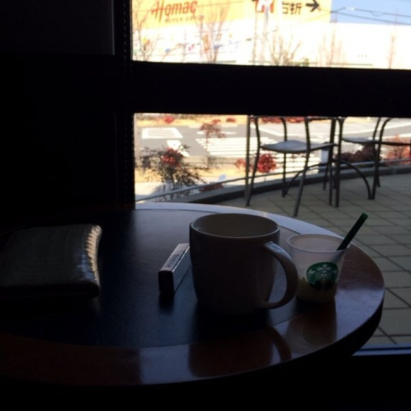 Photo taken at Starbucks Coffee ひたち野うしく店 by Asami N. on 3/16/2014