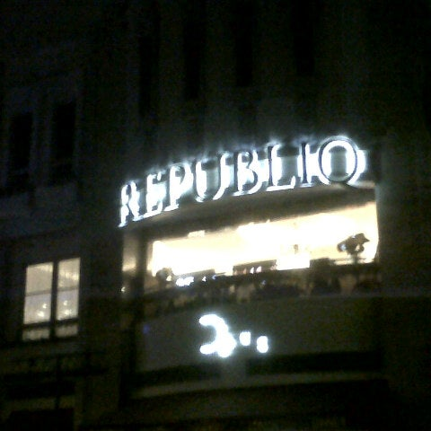Photo taken at Republiq by RJ N. on 12/30/2012