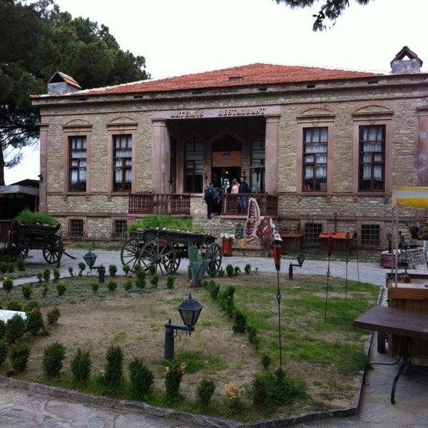 3/28/2013 tarihinde Erkin S.ziyaretçi tarafından Şirince Artemis Şarap ve Yöresel Tadlar Evi'de çekilen fotoğraf
