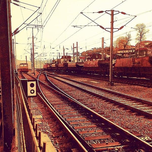 Photo taken at Estação Ferroviária de Porto-Campanhã by Mário O. on 5/14/2013