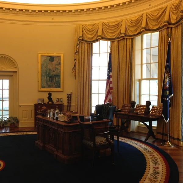 Foto tomada en William J. Clinton Presidential Center and Park por Traverse 3. el 4/26/2013