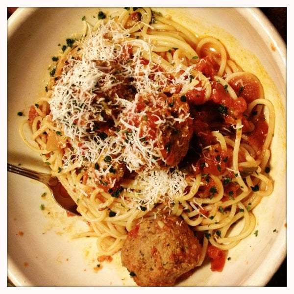 Photo taken at Carrabba's Italian Grill by Kristy W. on 3/6/2013