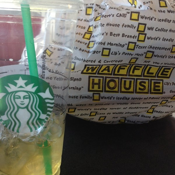 Photo taken at Waffle House by Kristy W. on 3/24/2013