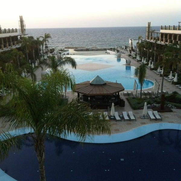 Foto scattata a Cratos Premium Hotel & Casino da Berk K. il 5/30/2013