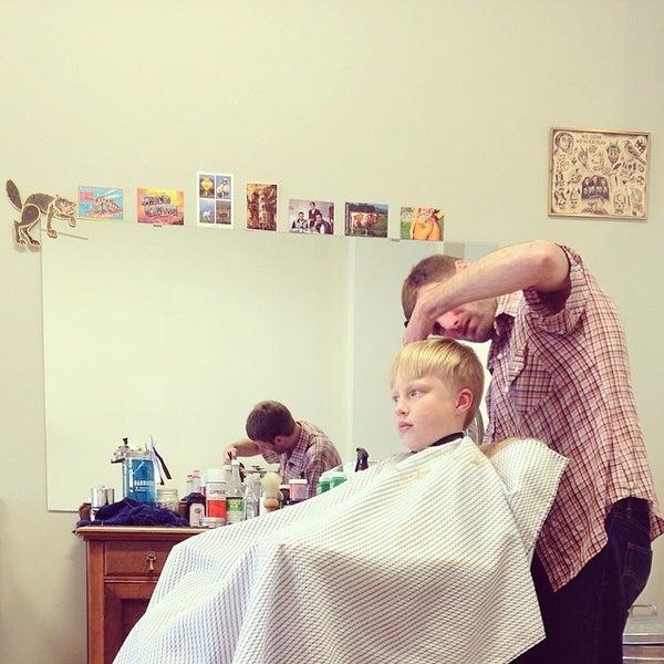 4/3/2014 tarihinde Jennifer B.ziyaretçi tarafından Foremost Barbershop'de çekilen fotoğraf