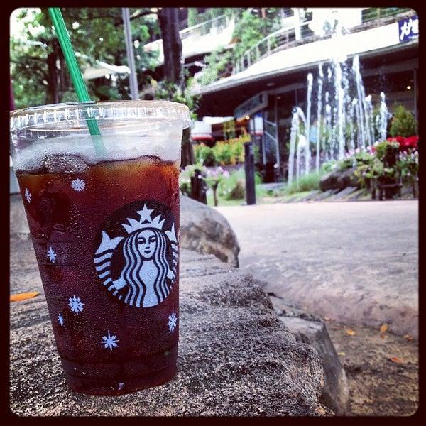 Photo taken at Starbucks by kabped on 12/7/2012